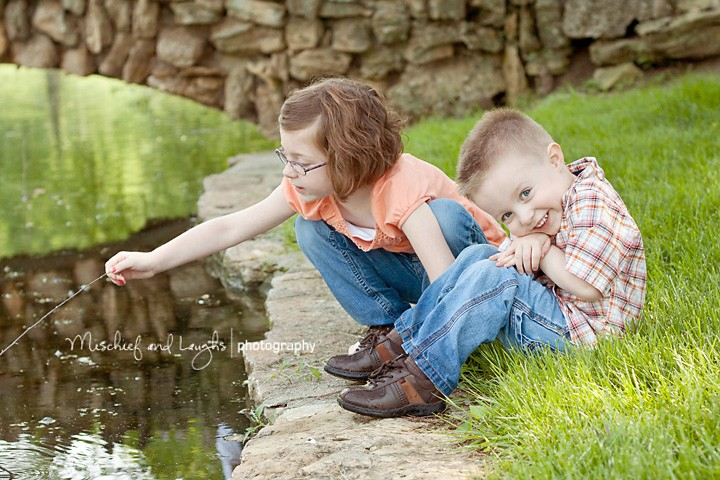 Sounds of Laughter, Shades of Life - Cincinnati Family Photographer