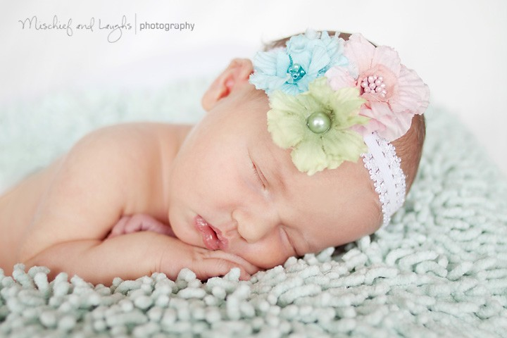 Bright Eyes - Cincinnati Newborn Photographer