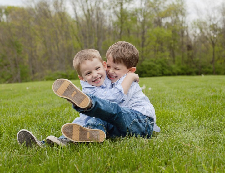 Just be Brothers {Cincinnati Child Photographer}