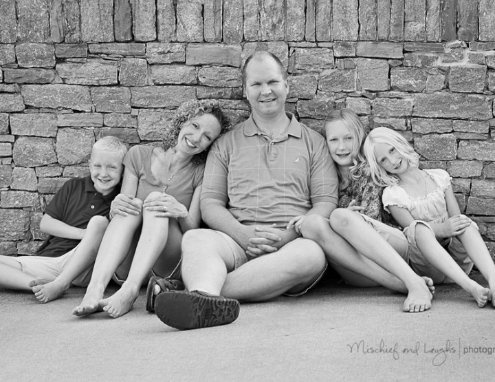 N. Family Mini Session - Cincinnati Family Photographer