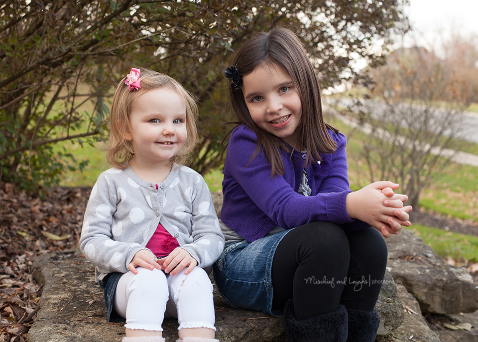 Sisters, Mischief and Laughs Photography, Cincinnati #photography #posing