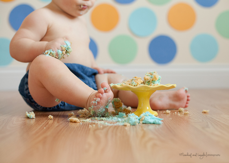 Cute and Easy Cake Smash ideas! - Mischief and Laughs Photography, Cincinnati OH
