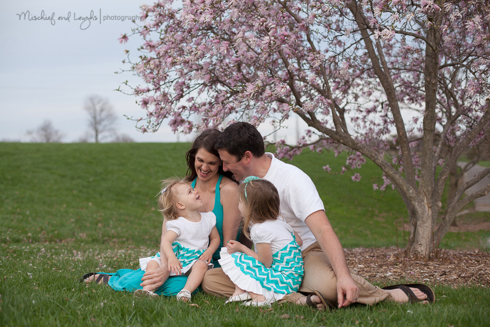 Relaxed family portrait, Mischief and Laughs Photography, Northern KY