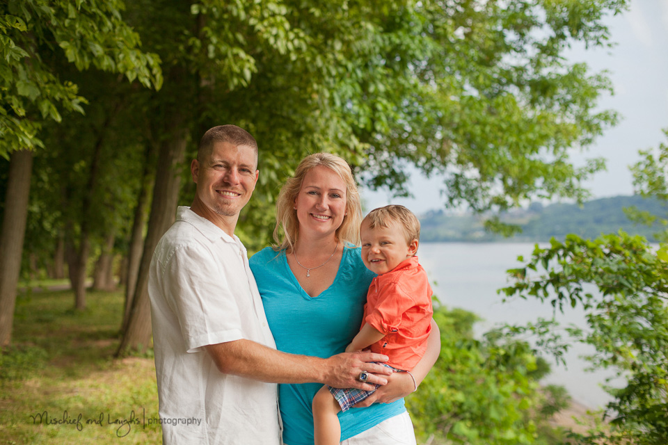 Family Photos overlooking the Ohio River, Mischief and Laughs Photography, Cincinnati OH
