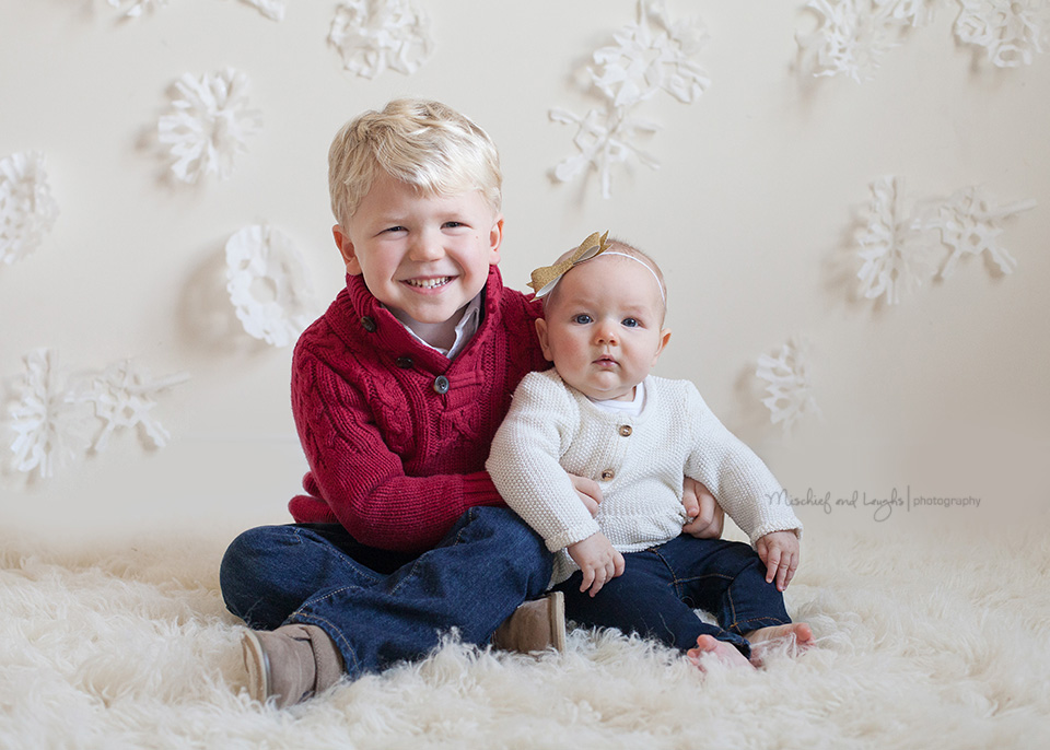 Christmas Mini Sessions.Mischief And Laughs Photography Winter Wonderland