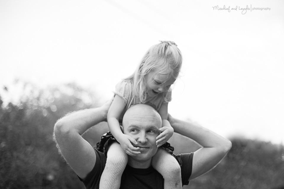 lifestyle-child-photographer-cincinnati