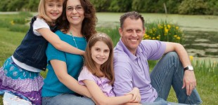 Outdoor family portrait photography, Mischief and Laughs, Northern Kentucky