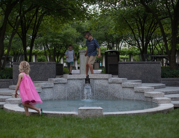 Exploring the Wisteria, Cincinnati Family Photographer