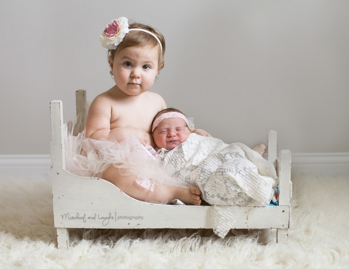She's a Big Sister Now! Cincinnati Newborn Photographer