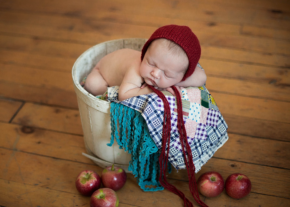 newborn apple set, Rochester Newborn Photographer, Mischief and Laughs Photography
