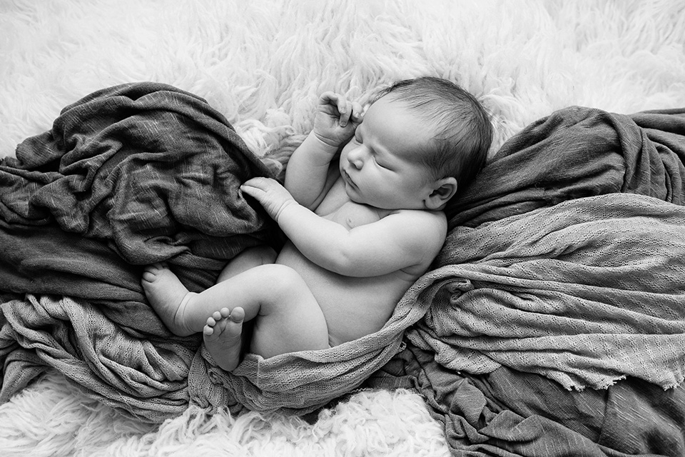 Newborn baby photos in Rochester NY, Mischief and Laughs Photography