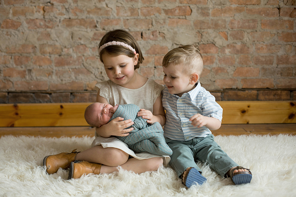 Sibling photos with baby, Rochester NY newborn photos, Mischief and Laughs Photography