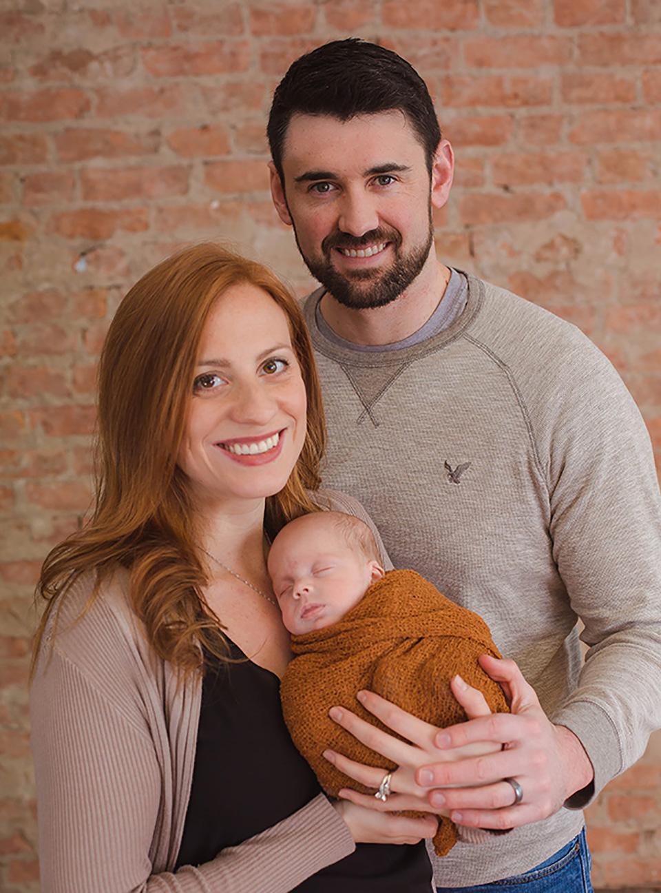 family newborn photos, upstate NY Newborn Photographer