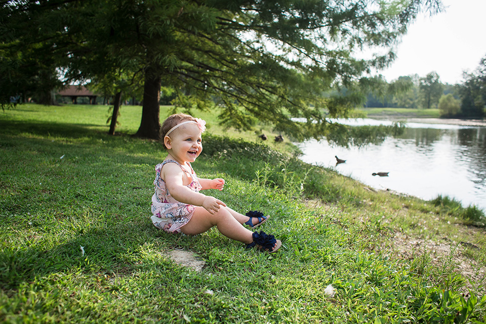 lakeside family session Pine Hill Lakes Park, Mason OH