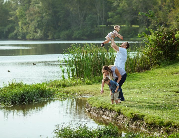 Lakeside Love, Cincinnati Family Photographer