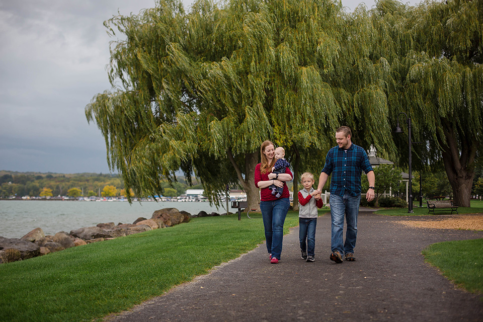 Lakeside photos, Family photography in Cincinnati, Mischief and Laughs Photography