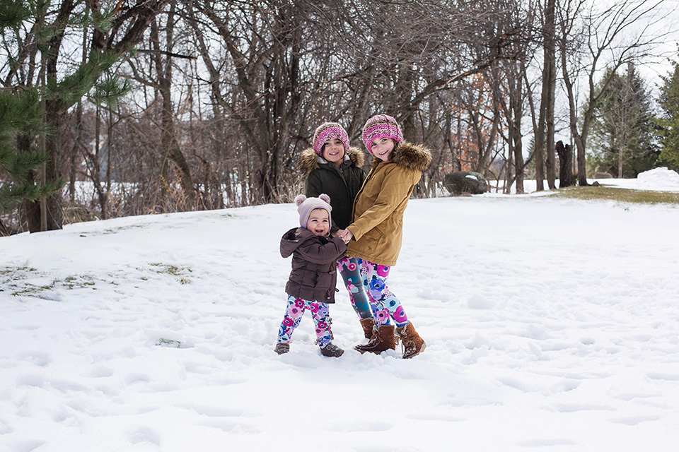 Cincinnati family photographers snow portrait session