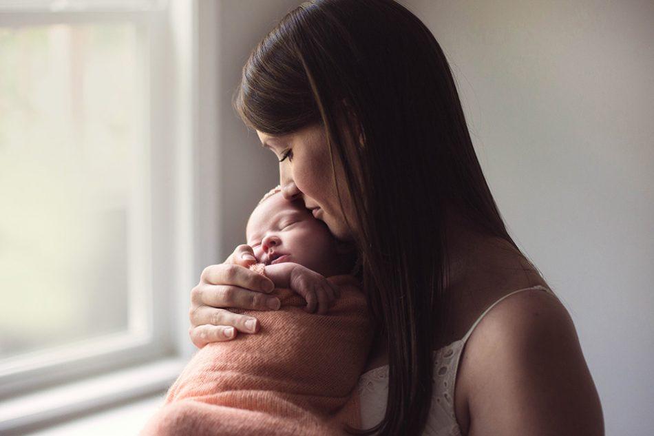 Parents with newborn, Cincinnati baby photographer