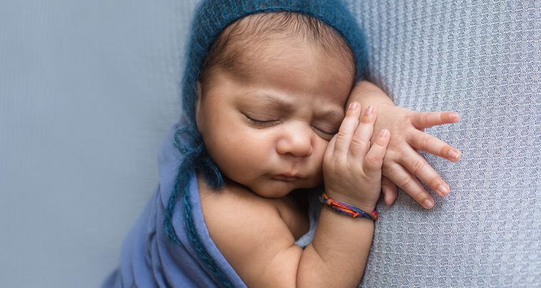 Snuggle Bug, Cincinnati Newborn Photographer